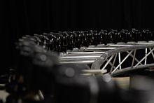 130 zrkadloviek Canon sa postaralo o svetový rekord
